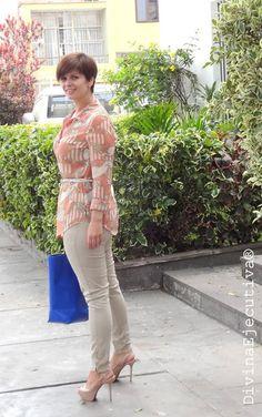Divina Ejecutiva: Mis Looks - Blusón Paisley  Pitillos