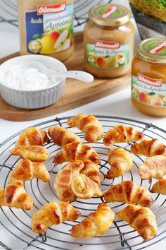 Mini Quark Applesauce Croissants- Mini Quark-Apfelmus Hörnchen Mini Quark Applesauce Croissants – www. Croissants, Family Meals, Kids Meals, Easy Meals, Mini Croissant, Brunch Buffet, Mini Pastries, Eat Happy, Pastry Design