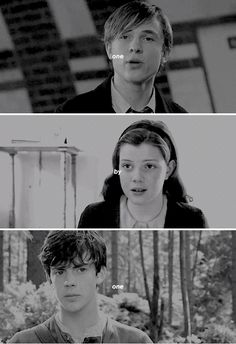 I can't believe they died and got transported to narnia and Susan was left behind Narnia Movies, Narnia 3, Lucy Pevensie, Edmund Pevensie, William Moseley, Georgie Henley, Prince Caspian, Harry Potter, The Avengers