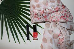 La panoplie complete pour bien commencer le printemps qui arrive à grand pas... Vernis perméable + lime:https://www.almoultazimoun.com/fr/375-vernis-a-ongles-permeables Châle pastel :https://www.almoultazimoun.com/fr/201-hijab-vente-en-ligne Espadrille :https://www.almoultazimoun.com/fr/150-chaussures-  #bijouxoriental #vernishalal #espadrille #bangle #chale #hijabstyle #muslimahfashion