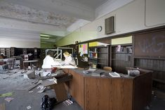 http://www.boumbang.com/urbex-detroit/ Detroit Urbex, Now and Then ©