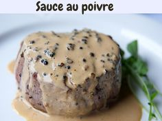 A good steak is always an option, but what about a great steak au poivre? Cooking your steak in this French fashion will give you not only a great meal but also a lot of yummy fats! Steak Au Poivre, Au Poivre Sauce, Low Carb Keto, Low Carb Recipes, Sauce Steak, How To Make Steak, Peppercorn Sauce, Great Steak, Keto Cream