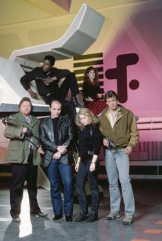 Michael Ironside, Marc Singer, Faye Grant, Blair Tefkin, Mickey Jones and Michael Wright in V Fantasy Movies, Sci Fi Movies, Movie Tv, Ghost Movies, Imdb Movies, Sci Fi Tv Series, Sci Fi Tv Shows, Faye Grant, V Tv Show