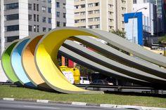 11 obras de Tomie Ohtake que coloriram São Paulo - Monumento à Imigração Japonesa, Avenida 23 de Maio
