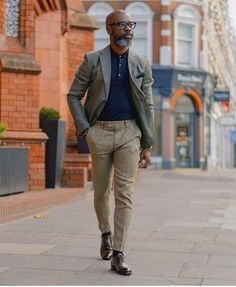 How to Wear a Polo For Men looks & outfits) Camisa Polo, Formal Attire For Men, Blazer Outfits Men, Fashion Hashtags, Smart Outfit, Well Dressed Men, Blazers For Men, Business Fashion, Men Dress