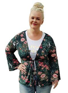 Tämä ihana jakku syksyn trendivärissä vihreässä nähtiin blogissa Inkan päällä - Pluskoon vaatteet ootd.fi   #pluskoot #isotkoot #naistenvaatteet #muoti #vaatteet #fatshion #ootdfinland #curvyfashion #sizediversity #plussizefashion #suomi Ootd, Ps, Outfit Of The Day, Bomber Jacket, Sweaters, Jackets, Outfits, Fashion, Today's Outfit