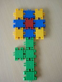 juf Rita pcbs 't Mozaïek :: jufritapcbsmozaiek.yurls.net School Themes, Lego Duplo, Pattern Blocks, In Kindergarten, Kids Playing, Projects To Try, Spring, Hardanger, Crowns