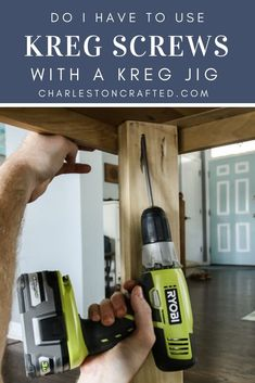It's important to use Kreg screws with a Kreg Jig to have the best results for your project. This is all you need to know about Kreg screws and what to use. Kreg Jig Projects, Easy Woodworking Projects, Woodworking Plans, Kreg Pocket Hole Jig, Pocket Hole Screws, Kreg Screws, Wood Screws, Kreg Tools, Woodworking Techniques