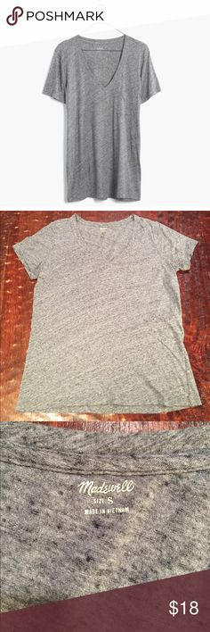 """Madewell Whisper Cotton V-Neck Pocket Tee Small Madewell Whisper Cotton V-Neck Pocket Tee. Tee is 24"""" from shoulder to hem. Bust measures 19"""" laying flat. Tee is in excellent condition with no signs of wear. Comes from a Smoke Free/Pet Friendly home. Offers always welcome. Madewell Tops Tees - Short Sleeve"""