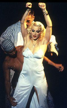 IMAGEM - MADONNA: Get up on the dancefloor, got to see you moving Madonna 90s, Get Up, Jumpsuit, Concert, People, Fashion, Stand Up, Overalls, Moda