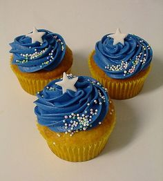 Star cupcakes. (Can you tell I'm obsessed with this celestial theme right now?)