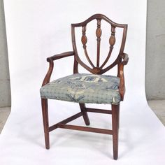 Chippendale Style Chair with Pierre Frey Monuments d'Eygpte Fabric Sea Pierre Frey, Monuments, Dining Chairs, Sea, Antiques, Fabric, Design, Furniture, Home Decor