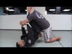 Stephan Kesting shows how to pass guard essential concepts video