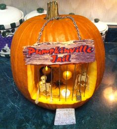 Pin by Dixie Show on Crafts for kids in 2020 Halloween Pumpkin Designs, Homemade Halloween Decorations, Diy Party Decorations, Halloween Party Decor, Holidays Halloween, Halloween Pumpkins, Halloween Diy, Happy Halloween, Scary Pumpkin Carving
