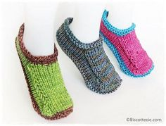 Patron Pantoufles Non Felted Slippers version Biscotte , Knitting Socks, Loom Knitting, Knitting Patterns Free, Free Knitting, Knit Socks, Knitting Tutorials, Stitch Patterns, Knit Slippers Free Pattern, Knitted Booties