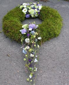 Bildergebnis für florystyka funeralna aranżacja