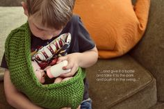 this has me in tears. I love it, I want the book just in case is a boy. Baby Knitting Patterns, Baby Patterns, Crochet Patterns, Crochet For Kids, Crochet Baby, Knitted Baby, Baby Doll Carrier, Cute Babies, Baby Kids