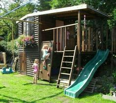 Childrens play house in loglap