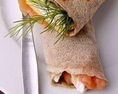 Crêpes de sarrasin au haddock, crème fouettée à la ciboulette http://www.cuisineaz.com/recettes/crepes-de-sarrasin-au-haddock-creme-fouettee-a-la-ciboulette-900.aspx