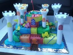 this was the birthday cake for 12 people it turned out amazing :)