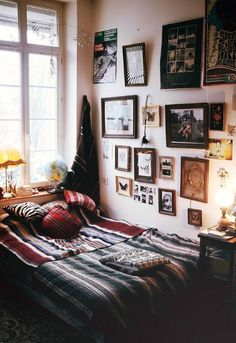 bedding and wall inspo
