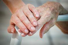 Umfrage: Drei Viertel der Bürger würde Angehörige pflegen