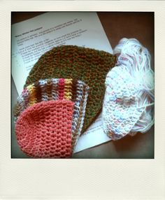 all sizes of hats, double crochet, goes from newborn to adult, change hook size and number of rows