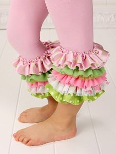 Ruffle leggings! So stinking cute! Making these in white!