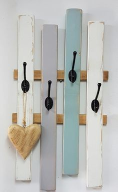 VK is the largest European social network with more than 100 million active users. Pallet Crafts, Wood Crafts, Primitive Garden Decor, Diy Organisation, Bookshelf Design, Aesthetic Room Decor, Home Room Design, Metal Wall Decor, Home Staging