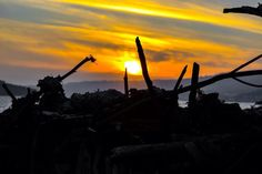 Y después del #MinisteriodelTiempo toca irse a dormir! Ahí os va mi puesta de sol desde una de las trincheras de mi fuerte  #vsco #vscocam #galicia #galiciavisual #galiciagrafias #loves_galicia #lovely #pontevedra #love #galiciagrafias #igers #igerspain #igerspontevedra #movilgrafias #movilgrafiadeldia140316 #communityfirst #primerolacomunidad #visitspain #vscocamnature #sunset #monumentalspain #nature #sun