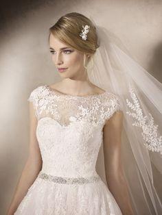 Hadara - La Sposa - Esküvői ruhák - Ananász Szalon - esküvői, menyasszonyi és alkalmi ruhaszalon Budapesten