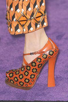 Prada details. #orange #pattern