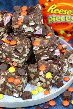 Peanut Butter Rocky Road! - Jane's Patisserie Tray Bake Recipes, Donut Recipes, Dessert Recipes, Desserts, Easy Rocky Road Recipe, Janes Patisserie, No Bake Bars, Peanut Butter Cups, Love Cake