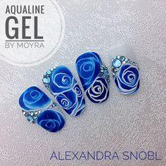 Nail Art Wheel, Rose Nail Art, School Nails, Gel Designs, Girls Nails, Kiss Makeup, Blue Roses, Nail Tutorials, Cool Kids