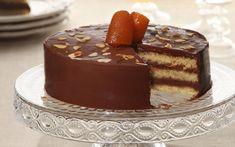 Αν θέλουμε, εμπλουτίζουμε την τούρτα με καβουρδισμένο φιλέ αμυγδάλου ανάμεσα στις στρώσεις και/ή γλυκό του κουταλιού της αρεσκείας μας, στραγγισμένο από το σιρόπι του. Μια ωραία πρόταση είναι το γλυκό πορτοκάλι. Greek Sweets, Greek Desserts, Party Desserts, Greek Recipes, Vegan Sweets, Sweets Recipes, Easter Recipes, Cake Recipes, Cyprus Food