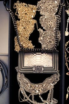 Chanel Paris-Bombay Collection, gifts for the holidays! !!