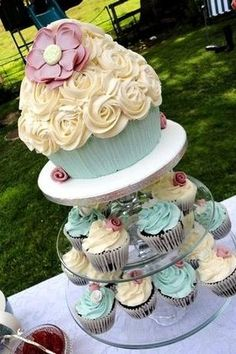 1st Birthday Cake Ideas for Girls elegant giant cupcake with smaller cupcakes