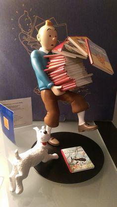 Hergé - Figurine Moulinsart 46964 - Tintin tenant les albums - Version 1…