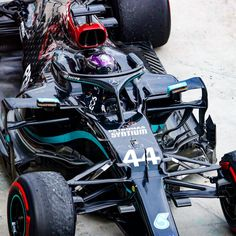 Mercedes Petronas, Amg Petronas, Amg Logo, Formula 1 Car, Fighter Pilot, Lewis Hamilton, Black Edition, F1 Racing, Love Images