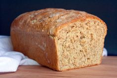 Honey Oatmeal Bread & Magimix Toaster Giveaway by Food Fanatic on Epicurious Community Table Sandwich Bread Recipes, Bread Machine Recipes, Bread Recipe King Arthur, Oatmeal Bread Recipe, Pan Rapido, Muffin Bread, Bread Baking, Bread Food, Rye Bread