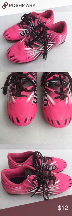 2b92facb840 Umbro Girls Soccer cleats outdoor field shoes ~ Umbro Girls Soccer Cleats •  Size