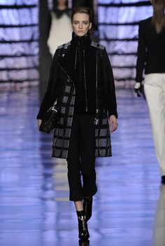 Etro Woman Autumn Winter 13-14 Fashion Show    Discover more: http://urly.it/1lht