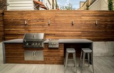 Small Outdoor Kitchens, Modern Outdoor Kitchen, Outdoor Kitchen Bars, Modern Deck, Outdoor Spaces, Outdoor Grill Area, Outdoor Grill Station, Bbq Area, Built In Outdoor Grill