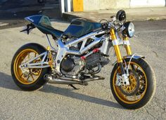 Made in Italy by Rosmoto Cafe Bike, Cafe Racer Bikes, Cafe Racers, Custom Motorcycles, Custom Bikes, Suzuki Sv 650, Suzuki Cafe Racer, Cafe Racer Style, Retro Bike