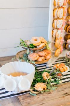 Get Inspired by This Beautiful Wedding Cake Table | Ruffled