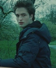 Twilight Saga:Edward and Bella Photo: Edward and Bella Twilight 2008, Twilight Saga Series, Twilight Edward, Twilight Cast, Edward Bella, Twilight New Moon, Twilight Pictures, Twilight Movie, Robert Pattinson Twilight