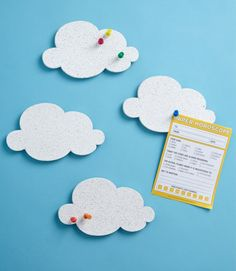 mur accroche nuage Cloud Pin Boards- easy DIY project to just cut out cork board and paint it white. Deco Dyi, Cloud Craft, Diy Cloud, Diy Projects To Try, Diy For Kids, Crafts For Kids, Stationery, Wall Decor, Messages