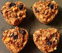 Mango and blueberries are an amazing combination. Slightly sweet, slightly tart, colorful, and delicious together, all of which that makes them a perfect mix-in! These little muffins truly make a g… Peach Oatmeal Muffins, Blueberry Oat Muffins, Mango Muffins, Blue Berry Muffins, Little Muffins, Unsweetened Applesauce, Vegan Kitchen, Frozen Blueberries, Healthy Muffins