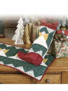 Special Occasion Quilting - Christmas Decoration Quilting Patterns - Angel Table Runner & Stocking