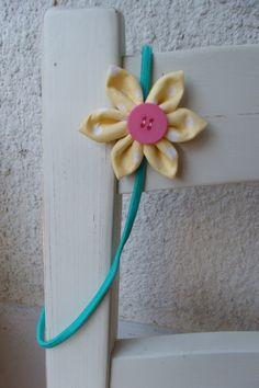 Haarreifen Blüte fürs Haar Kanzashi Blume gelb  von Krimskrämerei auf DaWanda.com